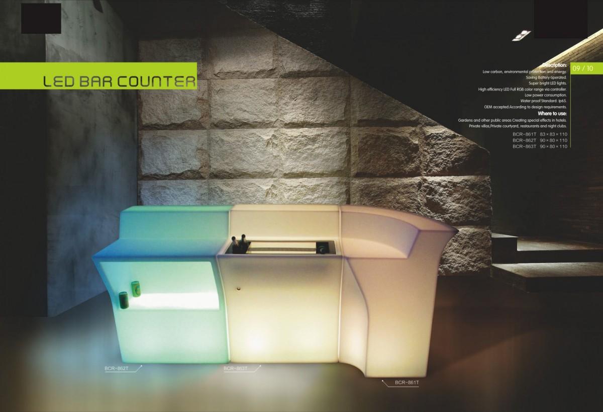 おしゃれ照明にもなる注目のLED家具 インテリアとしてバーやクラブ、イベントや室内リビングにも大活躍